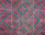 Het behang Pierre Frey Socorro heeft geometrisch motief geïnspireerd op de cultuur van de Maya's en past perfect