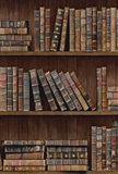 Rol B Mind the Gap Book shelves behang