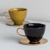 Zwarte Mok Gouden Oortje Luxury By Nature Boutique