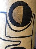Hoge Terracotta Vaas Met Etnisch Patroon