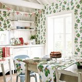 behang sanderson Summer Strawberries vintage 2 behangpapier sfeer 1