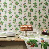 behang sanderson Summer Strawberries vintage 2 behangpapier sfeer 2