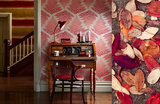 Behang Harlequin Filix 111381 fire - ruby Callista collectie luxury by nature sfeer