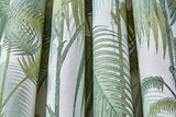 Cole and Son Palm Jungle stof F111-2007 wit groen detail