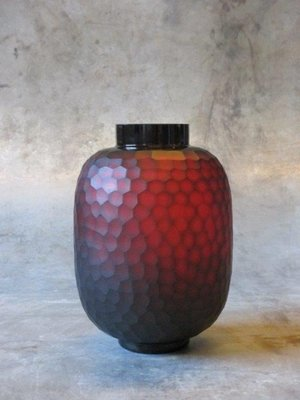 Rode Vaas Carved 28 cm