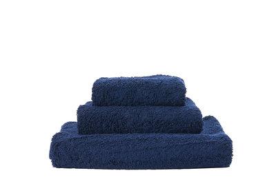 Abyss & Habidecor Donkerblauwe handdoeken - 308 Super Pile Serie