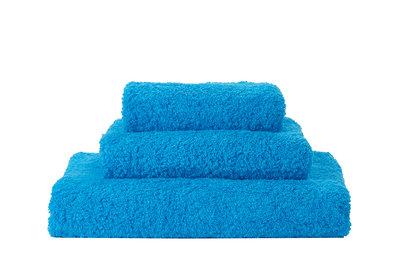 Handdoek Blauw Abyss & Habidecor - 380 Super Pile Serie
