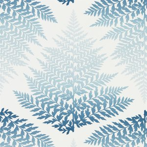 Behang Harlequin Filix 111379 denim - indigo Callista collectie luxury by nature