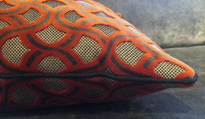 oranje taupe sierkussen ontdek hier luxury by nature