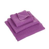 Luxe wafelhanddoeken paars Dahlia Purple 402 - Pousada Serie Abyss Habidecor Stapel
